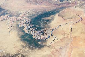 Enorme Erosionsprozesse, die nach einer neuen Hypothese wesentlich zur Verschiebung der Kontinente beigetragen haben, prägen die Landschaft rund um den Grand Canyon.
